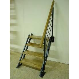 Escalier droit à hauteur variable  Limons métal